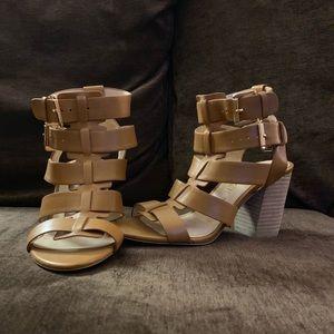 Block hell sandal. Size 5.5.
